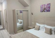 Грин - Grin (Северное Бутово) Улучшенный номер с кроватью размера