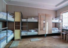 Nice hostel Crocus (Общежитие снять комнату) Кровать в общем 6-местном номере для мужчин и женщин