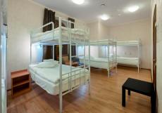 ГородОтель на Казанском Кровать в общем номере для мужчин с 4 кроватями