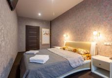 Ладомир Хромова - Номера с кухней на длительный срок Апартаменты с большой кроватью и диваном