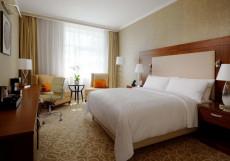 Марриотт Новый Арбат - Marriott  Hotel Novy Arbat Номер Делюкс с 1 кроватью размера «king-size»