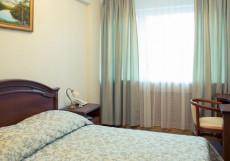 ПОКРОВСКОЕ - СТРЕШНЕВО (м. Щукинская, м. Сокол) Полулюкс — двухкомнатный номер с одной двуспальной кроватью
