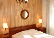 ДВЕ РЕКИ гостиничный комплекс (Шебекинский район, пос. Титовка) Двухкомнатный четырёхместный номер люкс в корпусе