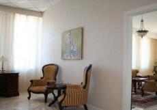 СОЛНЦЕ (рядом с Сибэкспоцентром) Президент-сюит: гостиная, спальня (семейная кровать), ванная с джакузи, кабинет