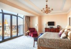 ИнтерКонтиненталь Отель (г.Киев) Представительский Клубный с кроватью king-size