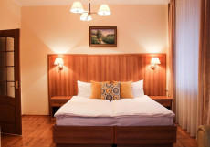 ЗВЕЗДНЫЙ (Бассейн, сауна и хаммам) Улучшенный двухместный номер с 1 кроватью