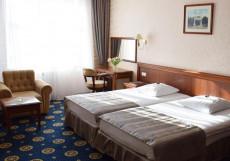 София На Каминского 27 ( в центре) Комфорт двухместный (1 двуспальная или 2 односпальные кровати)