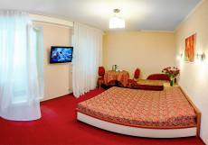 ГЛОБУС (г. Пермь, автовокзал) Улучшеный двухместный номер с широкой кроватью