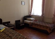 НА САПЕРНОМ (м. Площадь Восстания, с завтраком)  Двухместный номер эконом-класса с 2 отдельными кроватями и общей ванной комнатой