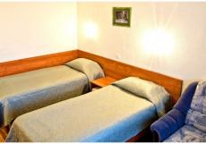 """69 ПАРАЛЛЕЛЬ (г. Мурманск, долина """"Уют"""") 2-местный Стандартный номер с двумя раздельными кроватями"""