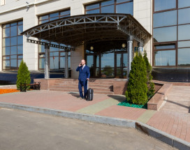 РЕЗИДЕНТ ОТЕЛЬ | г. Дубна, Московская область | Парковка