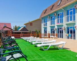 ТОРНАДО водноспортивный клуб-отель | г. Ейск, 1 линия, песчаный пляж
