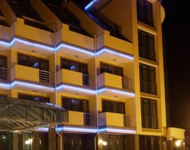 Агора Спа отель   г. Алушта   парковка   пляж   в 100 метрах от моря