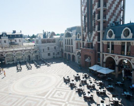 Piazza Four Colours / Пиза Фо Колорс | возле побережья Черного моря |