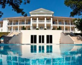 Империал Абрау-Дюрсо - Imperial & Champagne SPA | Открытый бассейн | Озеро | Свой пляж