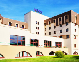 PARK INN VELIKY NOVGOROD | SPA | pool | Parking