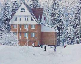Хостел Домбай | Домбай | р. Домбай-Ульген | Катание на лыжах