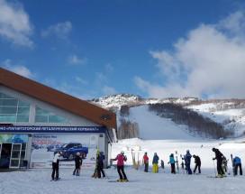 Студио Алтынай | поселок Зеленая поляна| озеро Банное | Катание на лыжах