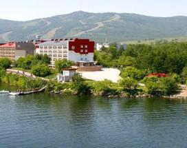 Апартаменты на Курортная 33 | Зеленая Поляна | озеро Банное | Катание на лыжах
