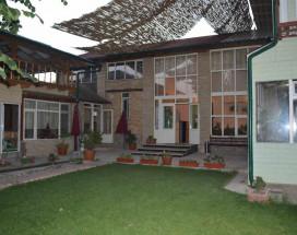 Eco House | Ош | р. Акбура | Парковка |