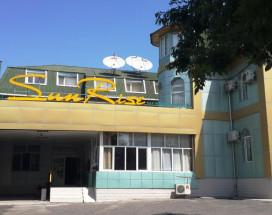 Санрайз Гостевой Дом | Ош | Детский центра Мээрим | парковка