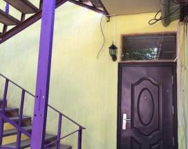 Guesthouse Kalinina 10 | Чолпон-Ата | Центральный Парк Культуры и Отдыха | парковка