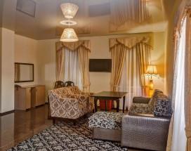 Отель Наири | Nairi Hotel | Волгоград | р. Волга | Парковка