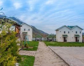 Гостевой Дом Лаго-Наки | Каменномостский | Парковка |