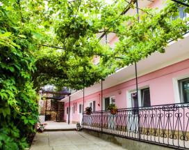 Гостевой дом Башня | Севастополь | Парковка