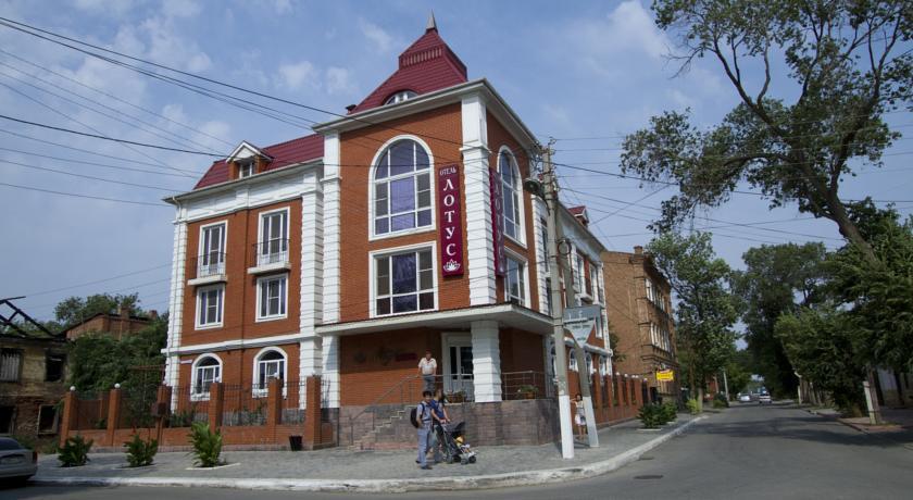 Pogostite.ru - ЛОТУС | в центре | парковка | бассейн #1