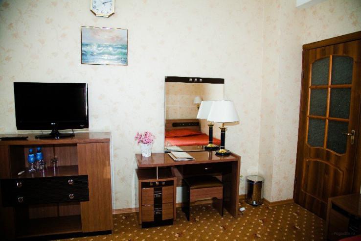Pogostite.ru - РЕНЕССАНС | г. Владивосток | центр | бесплатный Wi FI | парковка #13