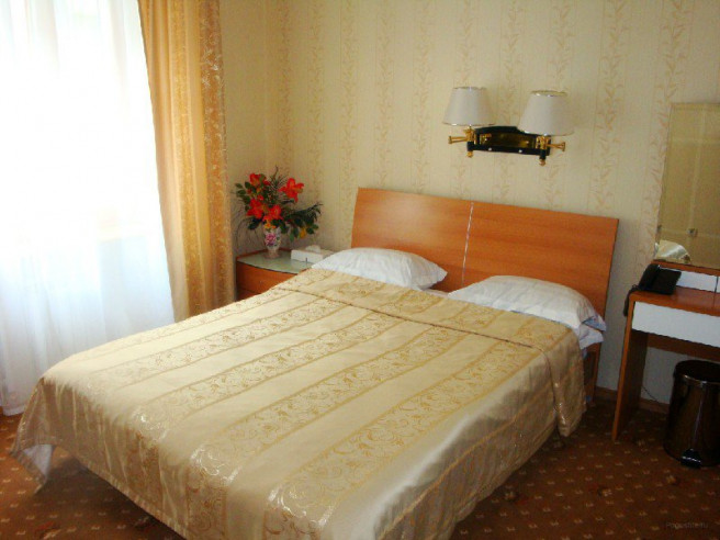 Pogostite.ru - РЕНЕССАНС | г. Владивосток | центр | бесплатный Wi FI | парковка #8