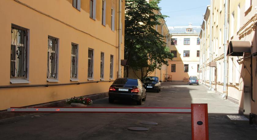 Pogostite.ru - ДОМ БЕНУА | м. Адмиралтейская | Бесплатная парковка #1
