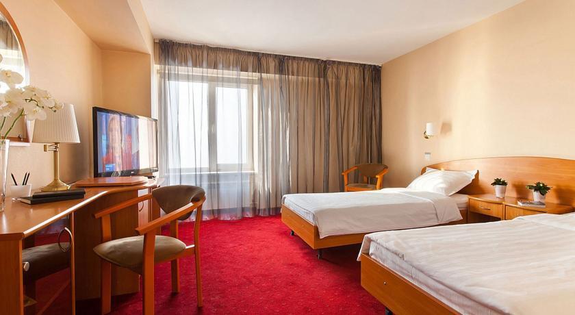 Pogostite.ru - Маринс Парк Отель Новосибирск | г. Новосибирск | Парковка | CПА-ЦЕНТР #12