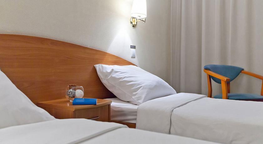 Pogostite.ru - Маринс Парк Отель Новосибирск | г. Новосибирск | Парковка | CПА-ЦЕНТР #14