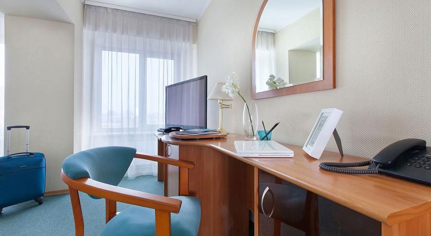 Pogostite.ru - Маринс Парк Отель Новосибирск | г. Новосибирск | Парковка | CПА-ЦЕНТР #16