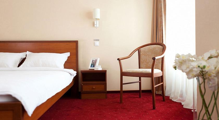 Pogostite.ru - Маринс Парк Отель Новосибирск | г. Новосибирск | Парковка | CПА-ЦЕНТР #13