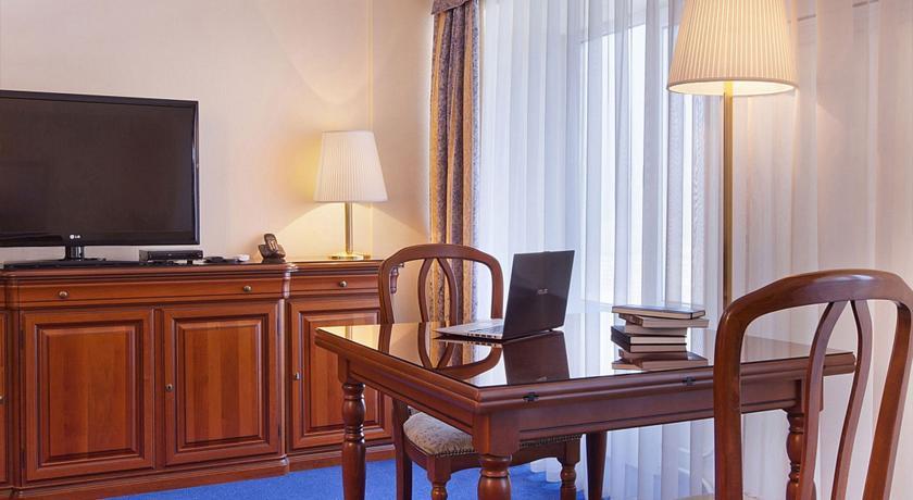Pogostite.ru - Маринс Парк Отель Новосибирск | г. Новосибирск | Парковка | CПА-ЦЕНТР #38