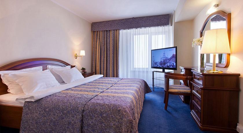 Pogostite.ru - Маринс Парк Отель Новосибирск | г. Новосибирск | Парковка | CПА-ЦЕНТР #31