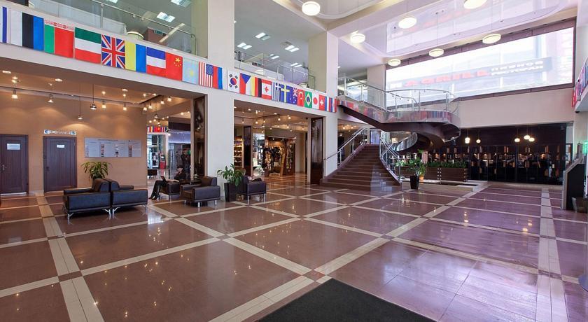 Pogostite.ru - Маринс Парк Отель Новосибирск | г. Новосибирск | Парковка | CПА-ЦЕНТР #2
