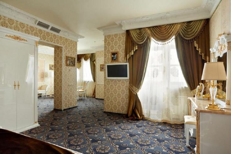 Pogostite.ru - ГРИН ХАУС - GREEN HOUSE | г. Тюмень, центр | Парковка #13
