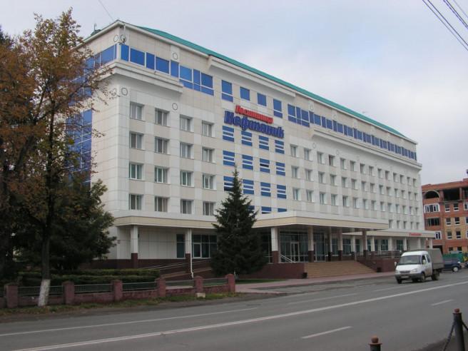 Pogostite.ru - НЕФТЯНИК  | г.Тюмень | центр | парковка #1