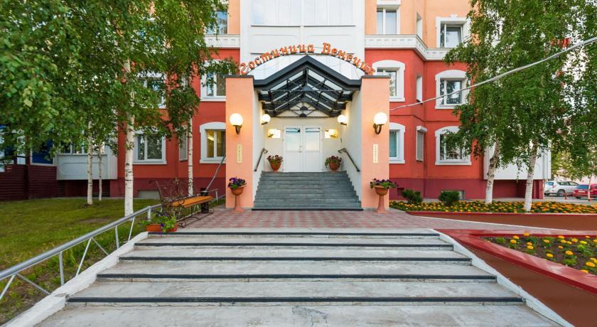 Pogostite.ru - ВЕНЕЦИЯ | г. Нижневартовск | рядос ж/д вокзал | парковка #2