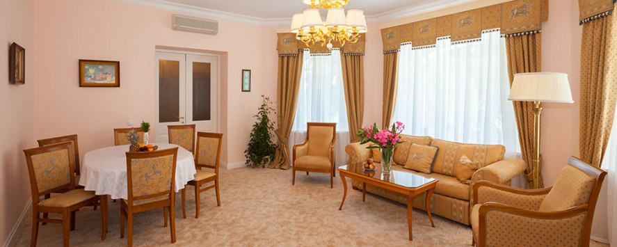 Pogostite.ru - Апартаменты трехкомнатные двухместные с мини кухней #22