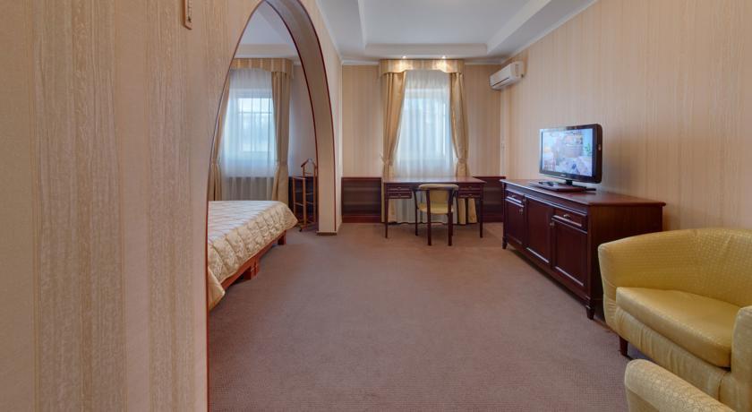 Pogostite.ru - Джунгли отель - Айвенго коттеджи | Подольск | Симферопольское ш. 41 км #21