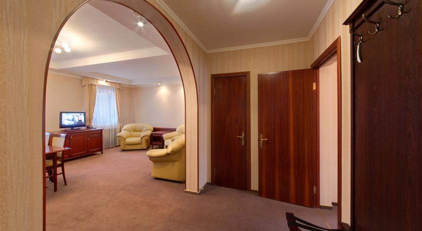 Pogostite.ru - Джунгли отель - Айвенго коттеджи | Подольск | Симферопольское ш. 41 км #22