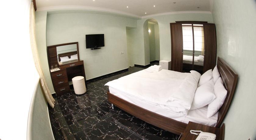 Pogostite.ru - TOWN PALACE HOTEL ( г. Ереван, центр) #6