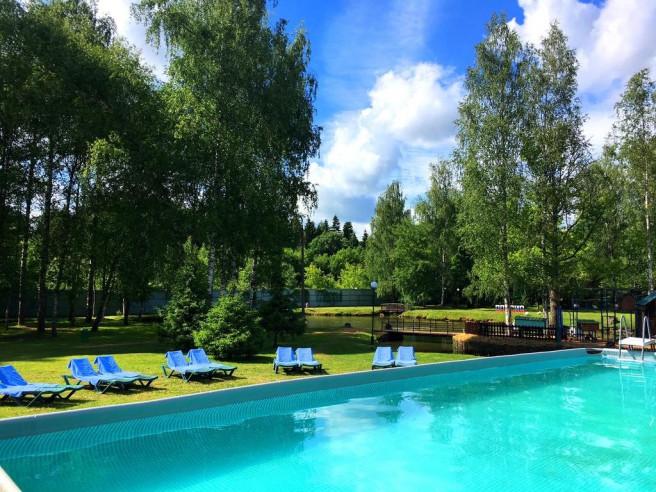 Pogostite.ru - Парк-отель ЗВЕНИГОРОД | г. Звенигород | Парковка #6