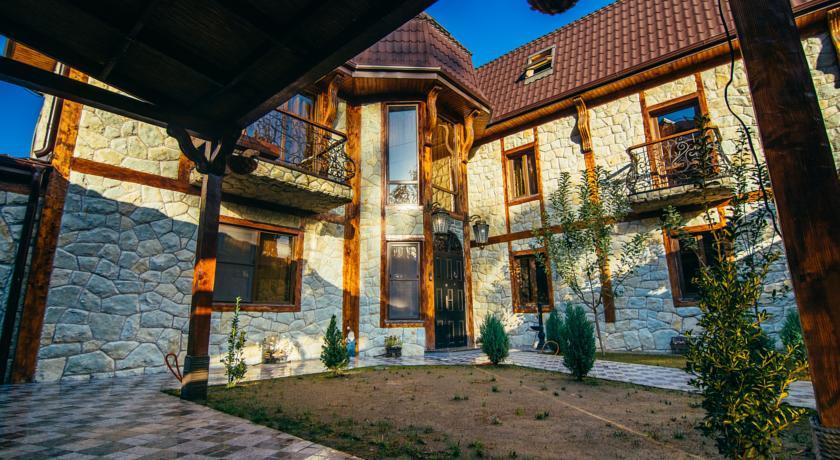 Pogostite.ru - Гостевой Замок (г. Сухум) #3