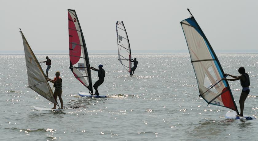 Pogostite.ru - ТОРНАДО водноспортивный клуб-отель | г. Ейск, 1 линия, песчаный пляж #1